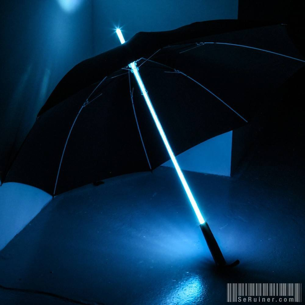 Blue Led Umbrella: Le Parapluie-sabre Laser !